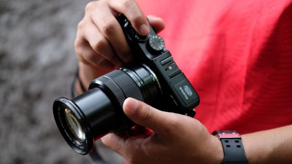 REVIEW X-M1 MIRRORLESS GENERASI PERTAMA FUJIFILM